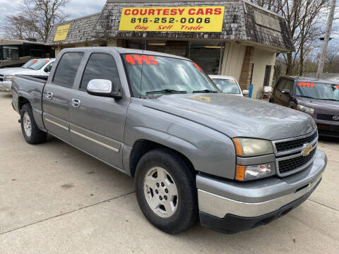 2007 Chevrolet Silverado 1500 Classic for sale at Courtesy Cars in Independence MO