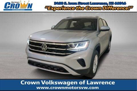 2020 Volkswagen Atlas Cross Sport for sale at Crown Automotive of Lawrence Kansas in Lawrence KS