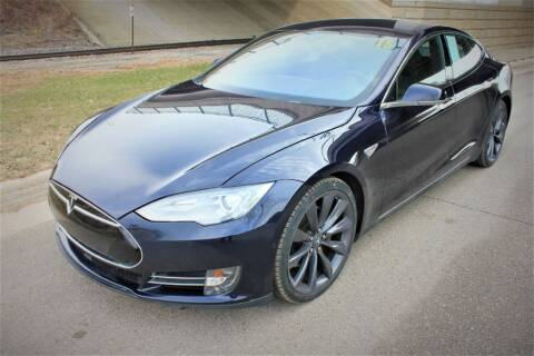 2015 Tesla Model S for sale at Apple Auto in La Crescent MN