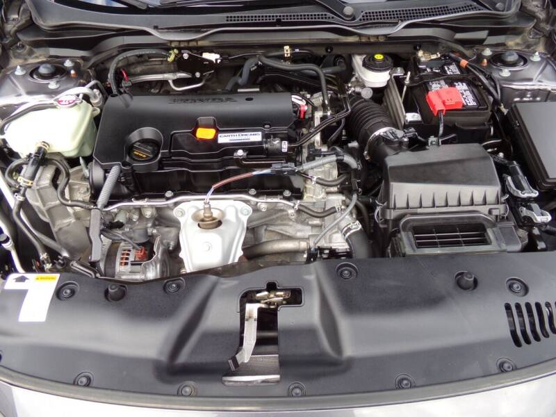 2017 Honda Civic LX 4dr Sedan CVT - Oconomowoc WI