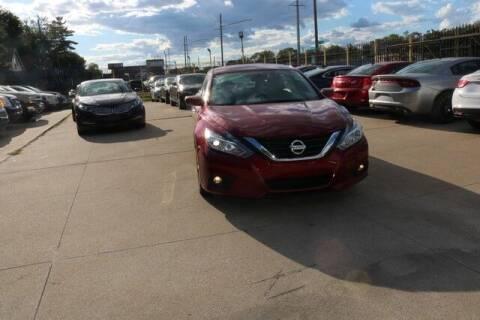 2017 Nissan Altima for sale at F & M AUTO SALES in Detroit MI