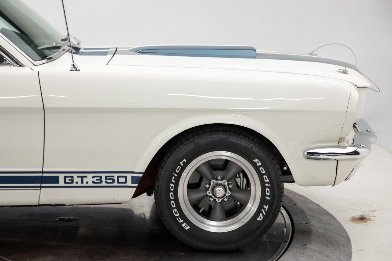 1965 Ford Mustang 24