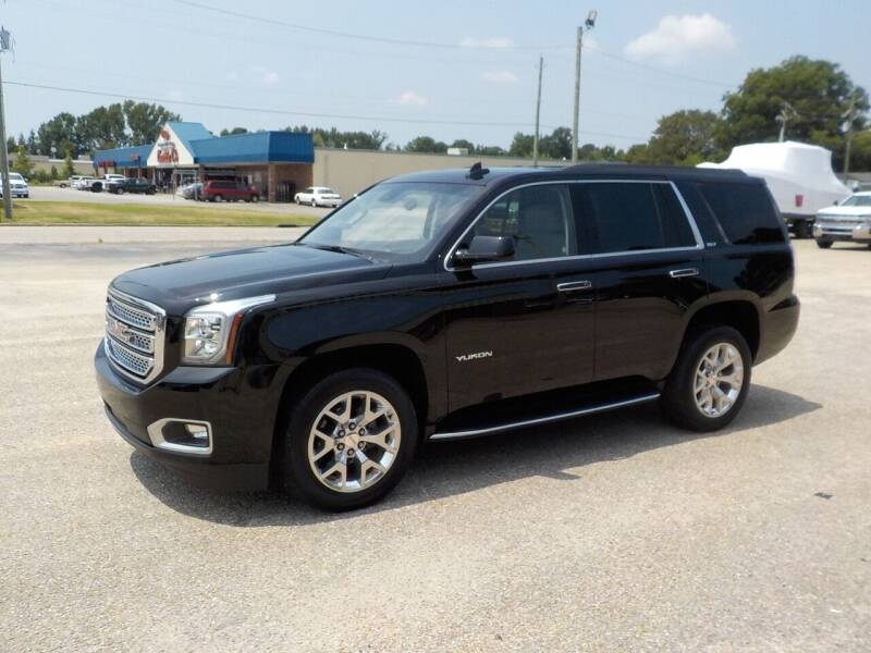 2017 GMC Yukon for sale at Young's Motor Company Inc. in Benson NC