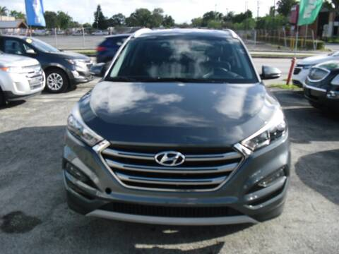 2017 Hyundai Tucson for sale at SUPERAUTO AUTO SALES INC in Hialeah FL
