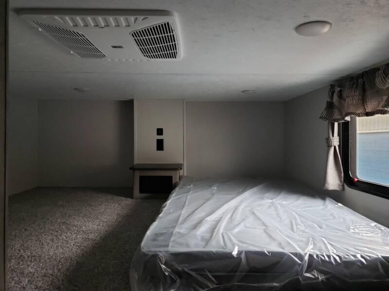 2021 Keystone Residence 401 Loft  - Lakota ND