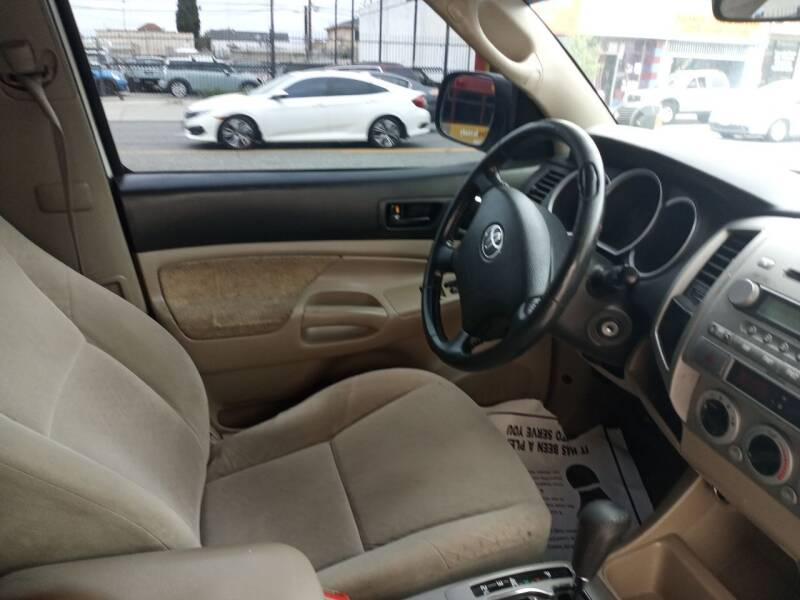 2006 Toyota Tacoma PreRunner V6 4dr Access Cab SB (4L V6 5A) - Los Angeles CA