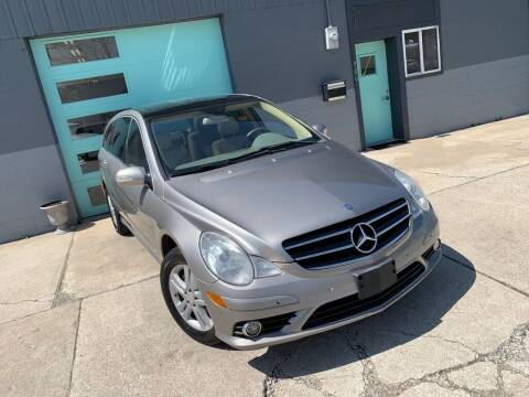 2009 Mercedes-Benz R-Class for sale at Enthusiast Autohaus in Sheridan IN