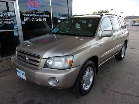 2006 Toyota Highlander for sale at World Wide Automotive in Sioux Falls SD