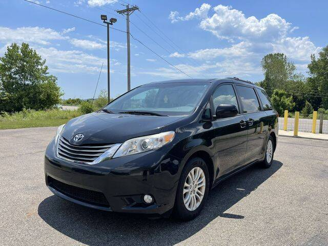 2013 Toyota Sienna for sale at Instant Auto Sales in Chillicothe OH