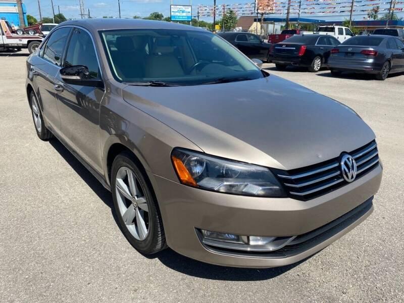 2015 Volkswagen Passat for sale at HALEMAN AUTO SALES in San Antonio TX