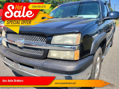 2005 Chevrolet Avalanche for sale at Ace Auto Brokers in Charlotte NC