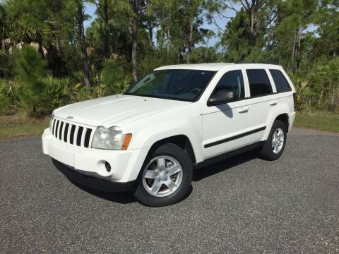 2007 Jeep Grand Cherokee for sale at VICTORY LANE AUTO SALES in Port Richey FL
