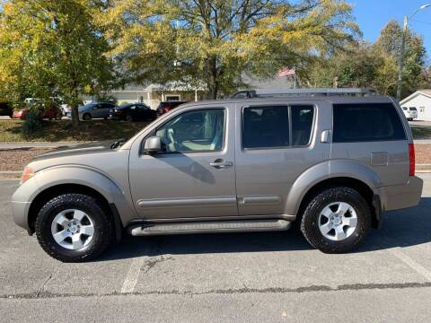 2005 Nissan Pathfinder for sale at Diana Rico LLC in Dalton GA
