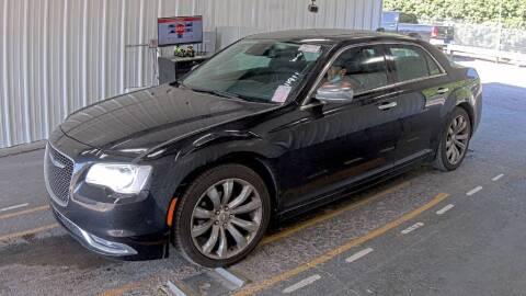 2018 Chrysler 300 for sale at HERMANOS SANCHEZ AUTO SALES LLC in Dallas TX