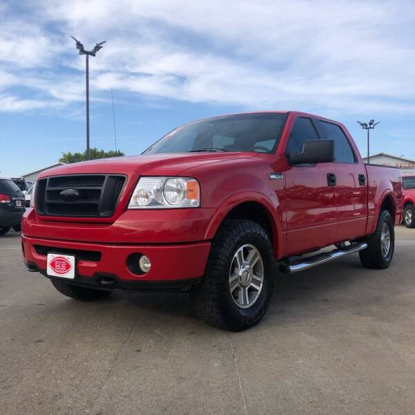 2006 Ford F-150 for sale at UNITED AUTO INC in South Sioux City NE