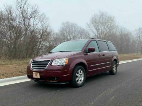 2009 Chrysler Town and Country for sale at Knowlton Motors, Inc. in Freeport IL