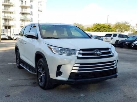 2019 Toyota Highlander for sale at Selecauto LLC in Miami FL