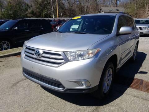 2011 Toyota Highlander for sale at AMA Auto Sales LLC in Ringwood NJ