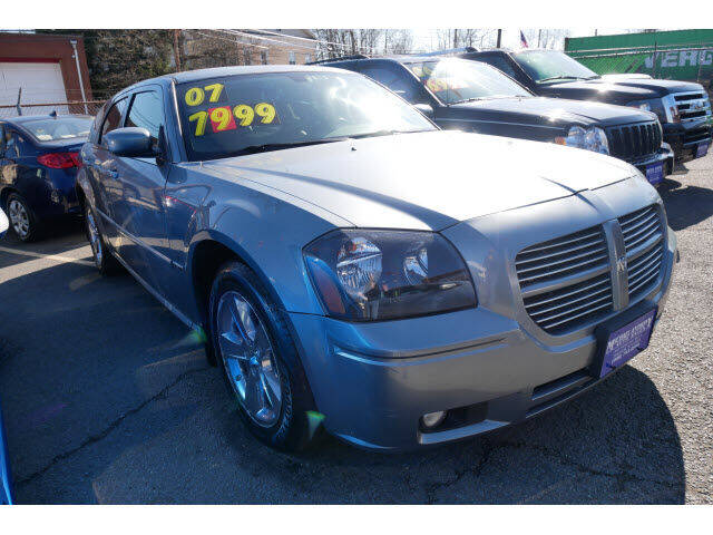 2007 Dodge Magnum for sale at MICHAEL ANTHONY AUTO SALES in Plainfield NJ