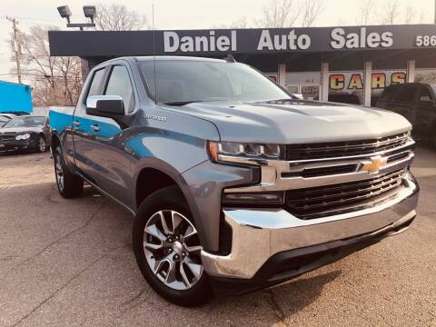 2020 Chevrolet Silverado 1500 for sale at Daniel Auto Sales inc in Clinton Township MI