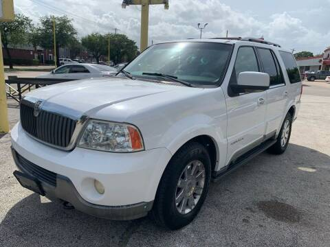 2003 Lincoln Navigator for sale at Friendly Auto Sales in Pasadena TX
