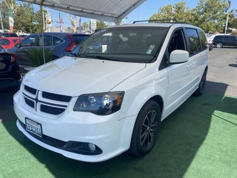 2016 Dodge Grand Caravan for sale at San Jose Auto Outlet in San Jose CA
