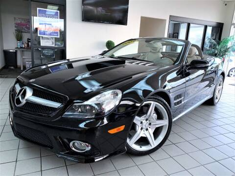2009 Mercedes-Benz SL-Class for sale at SAINT CHARLES MOTORCARS in Saint Charles IL