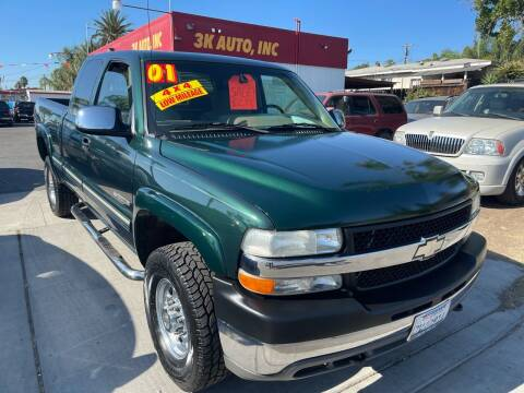 2001 Chevrolet Silverado 2500HD for sale at 3K Auto in Escondido CA