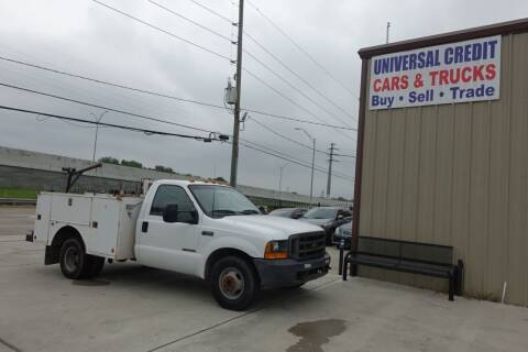 2000 Ford F-350 Super Duty for sale at Universal Credit in Houston TX
