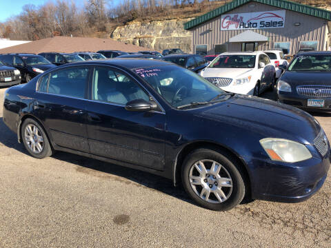 2005 Nissan Altima for sale at Gilly's Auto Sales in Rochester MN