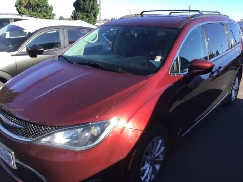 2017 Chrysler Pacifica for sale at Royal Moore Custom Finance in Hillsboro OR