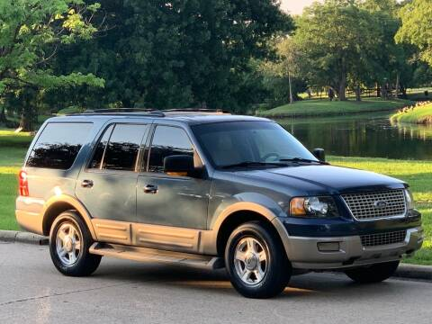 2004 Ford Expedition for sale at Texas Car Center in Dallas TX