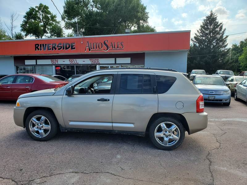 2009 Jeep Compass for sale at RIVERSIDE AUTO SALES in Sioux City IA