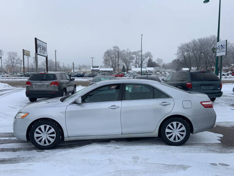 2009 Toyota Camry for sale at Peak Motors in Loves Park IL