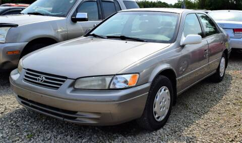 1997 Toyota Camry for sale at PINNACLE ROAD AUTOMOTIVE LLC in Moraine OH