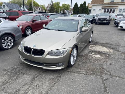 2011 BMW 3 Series for sale at CLASSIC MOTOR CARS in West Allis WI