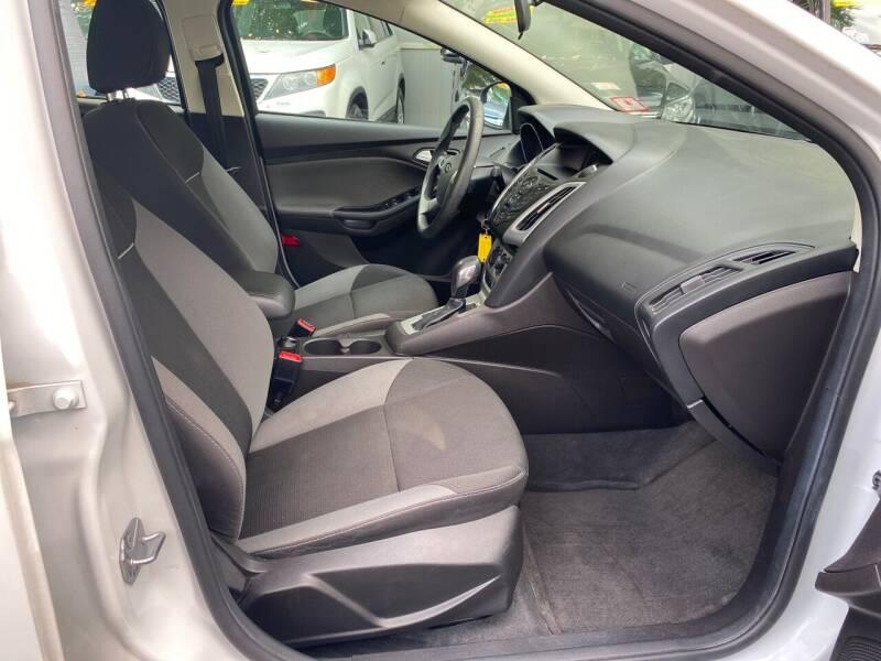 2014 Ford Focus SE 4dr Sedan - Elizabeth NJ