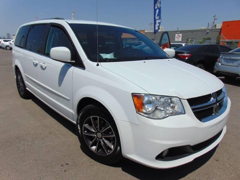 2017 Dodge Grand Caravan for sale at Avalanche Auto Sales in Denver CO