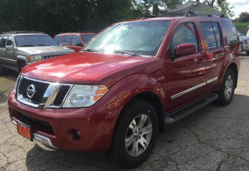 2008 Nissan Pathfinder for sale at Knowlton Motors, Inc. in Freeport IL