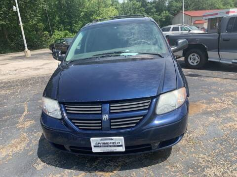 2005 Dodge Caravan for sale at SPRINGFIELD PRE-OWNED in Springfield IL