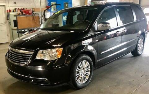 2015 Chrysler Town and Country for sale at Reinecke Motor Co in Schuyler NE