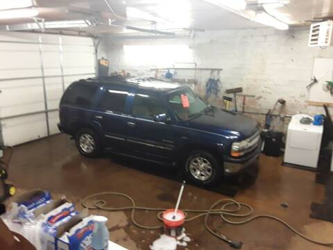 2002 Chevrolet Tahoe for sale at BARNES AUTO SALES in Mandan ND