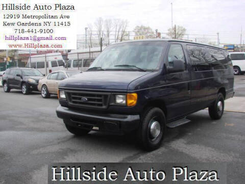 2005 Ford E-Series Wagon for sale at Hillside Auto Plaza in Kew Gardens NY