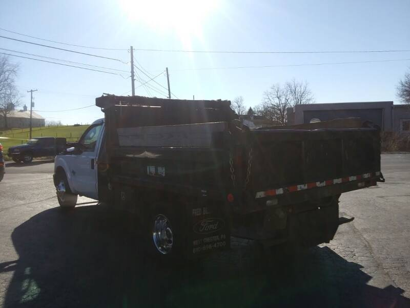 2011 Ford F-350 Super Duty 4x2 XL 2dr Regular Cab 165 in. WB DRW Chassis - Hanover PA