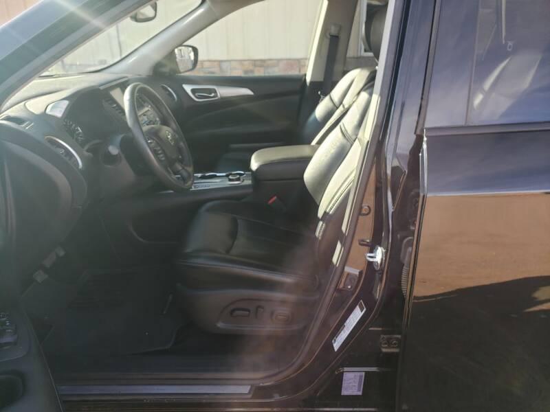2017 Nissan Pathfinder 4x4 SL 4dr SUV - Mitchell NE