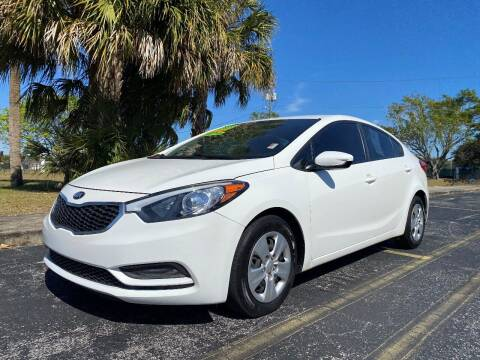 2016 Kia Forte for sale at Lamberti Auto Collection in Plantation FL