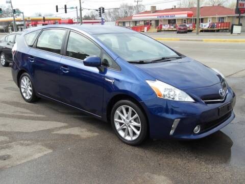 2014 Toyota Prius v for sale at GLOBAL AUTOMOTIVE in Gages Lake IL