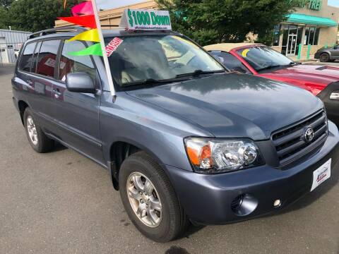 2004 Toyota Highlander for sale at Affordable Autos at the Lake in Denver NC