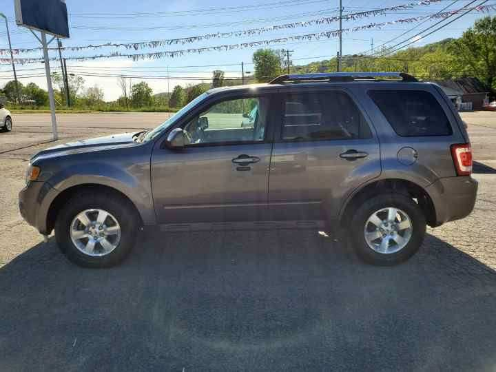 2010 Ford Escape for sale at Knoxville Wholesale in Knoxville TN