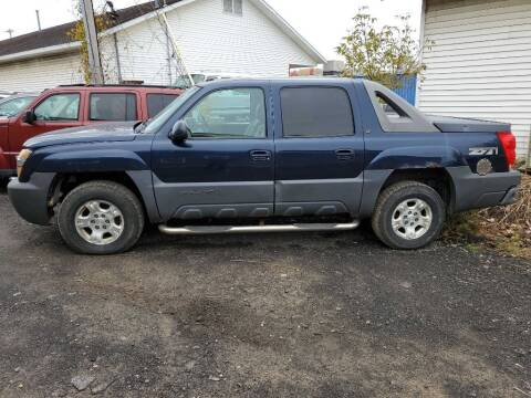 2005 Chevrolet Avalanche for sale at CRYSTAL MOTORS SALES in Rome NY